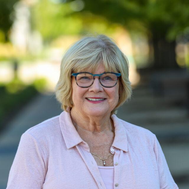 Debbie Estes